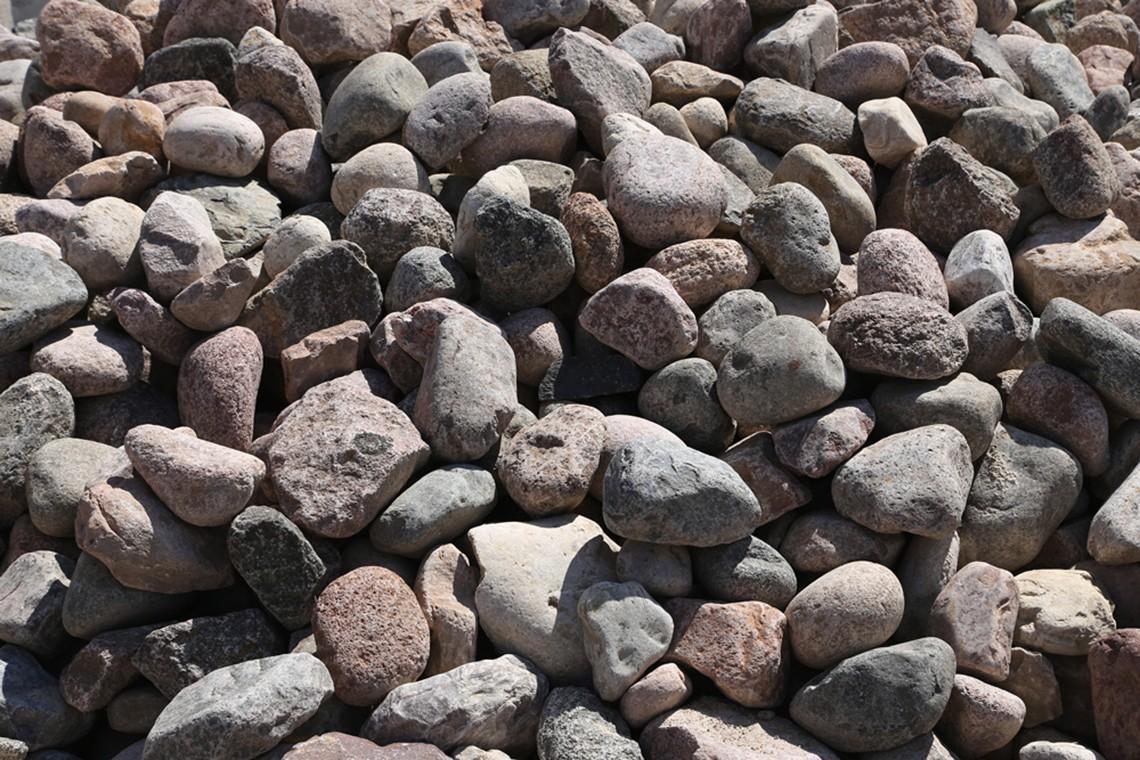 Granite Boulders - 4-8 in.