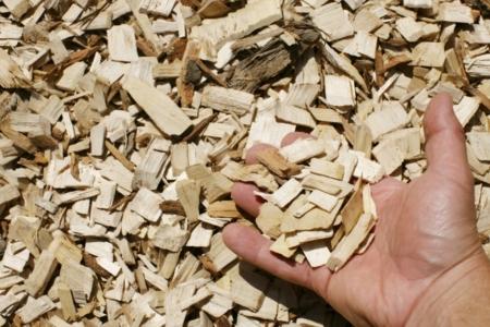 hardwood playground chips hand 1024x683 960x300